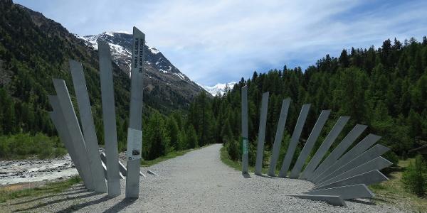 Einstieg in den Gletscherweg Morteratsch.