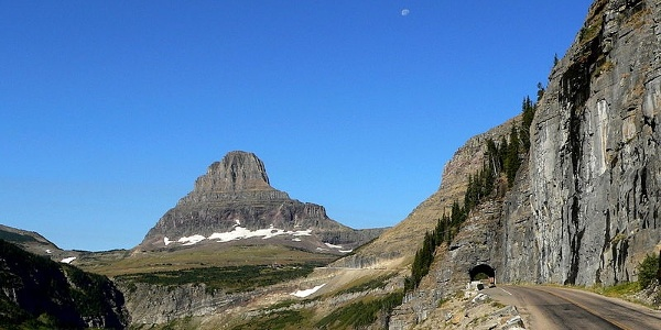 Mountaintops galore on Going-to-the-Sun Road
