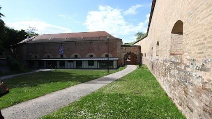 Die Universtität in alten Festungsgebäuden