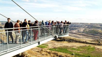Der Skywalk über dem Tagebau