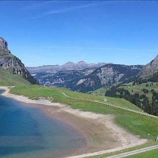4K Lake Waldisee, Muotathal Schwyz SWITZERLAND アルプス山脈 dji