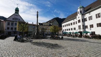 Marienplatz mit Blick auf Schloss und Stadtkirche