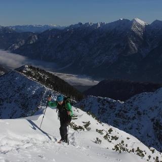 Gipfelanstieg mit Kammverlauf über Ziegelspitz