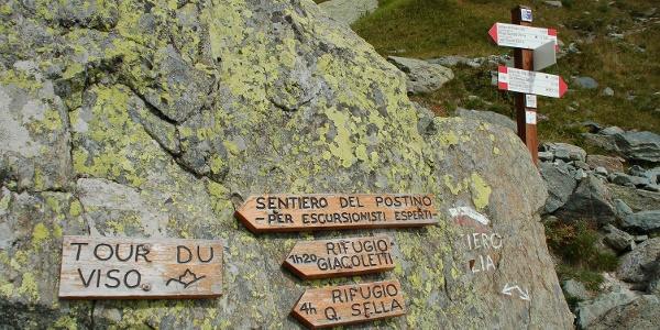Wegabzweig zum Rifugio Giacoletti (sentiero del postino)