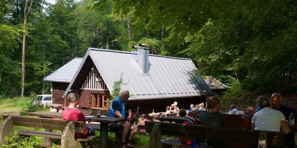 Außenbereich der Hütte