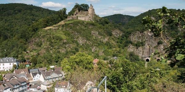Blick auf Altenahr und Burg Are