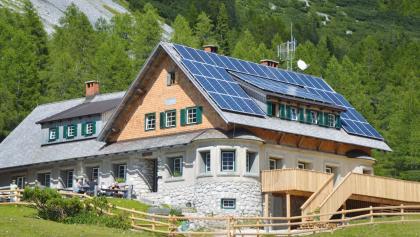 Klagenfurter Hütte, Südwestansicht, renoviert