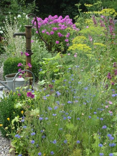 "Privatgarten ""HerbaLicca"" (Christine Stedele)"