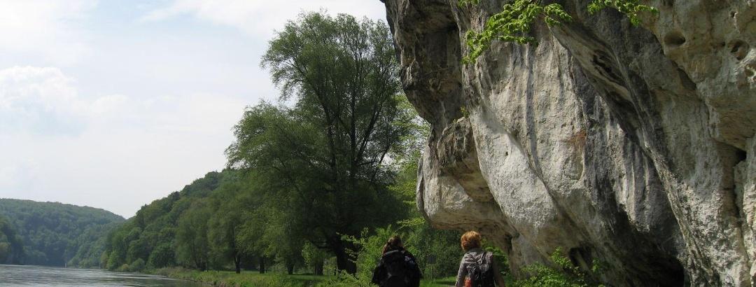 Wanderung auf der Donauroute in der Weltenburger Enge, Donaudurchbruch
