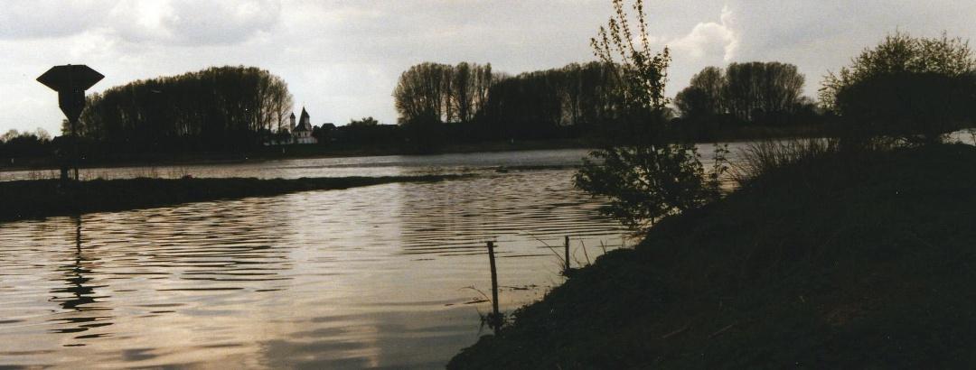 Der Wupperweg endet bei der Mündung der Wupper in den Rhein