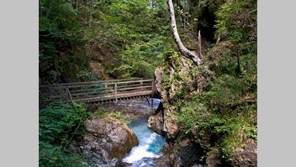 Brücke über den Hainschgrabenbach