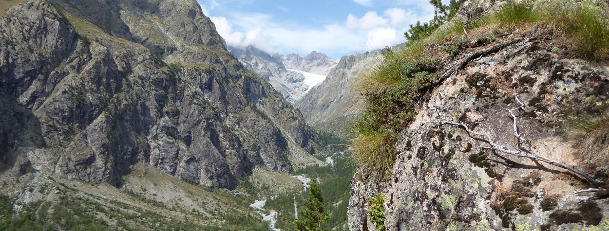Das Gyrtal oberhalb von Ailefroide mit dem Glacier Blanc