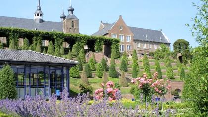 Terrassengarten mit Blick auf Kloster Kamp