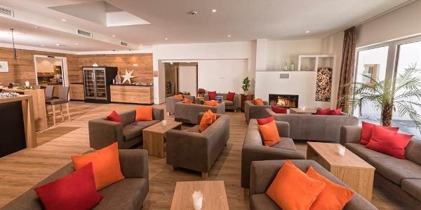 Hotel-Alpenfeuer-Montafon-Hotellobby-01