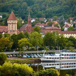 Kreuzwertheim - Blick vom bayerischen Kreuzwertheim über den Main auf die Wertheimer Altstadt