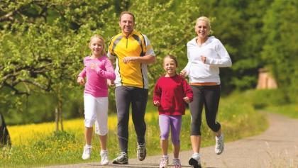 Familie auf der Herz-Kreislaufstrecke