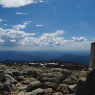 am Gipfel des Mt. Kosciuszko (2228m)