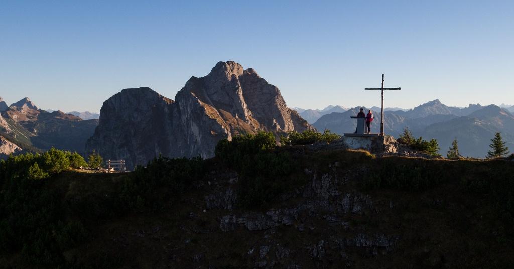 Gipfelkreuz auf dem Kamm des Breitenbergs - @ Autor: Julian Knacker - © Quelle: Pfronten Tourismus