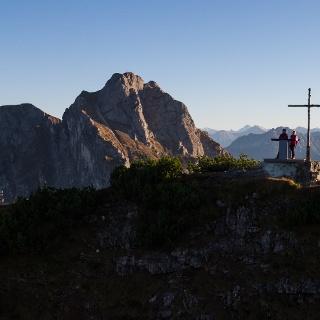 Gipfelkreuz auf dem Kamm des Breitenbergs
