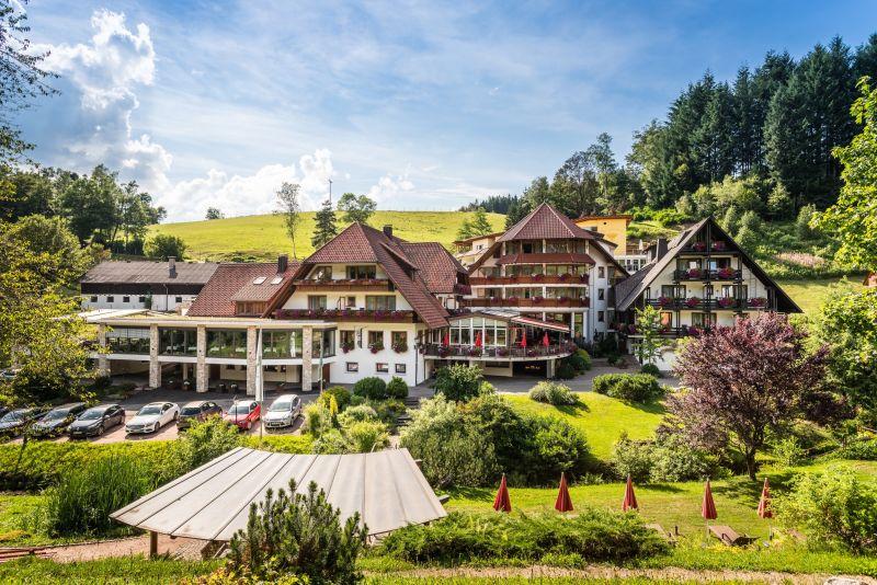 """Naturparkhotel """"Adler"""" St. Roman"""