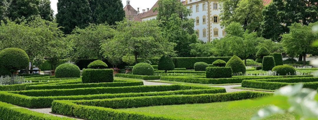 Das Kloster und Schloss Salem mit Barockgarten.