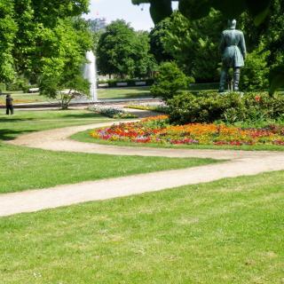Ein Park in Pforzheim direkt an der Nagold