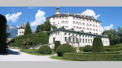 Das imposante Schloss Ambras