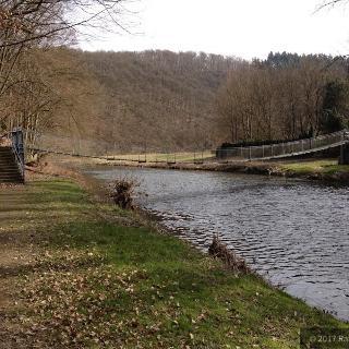 Hängebrücke über die Nister bei Helmeroth