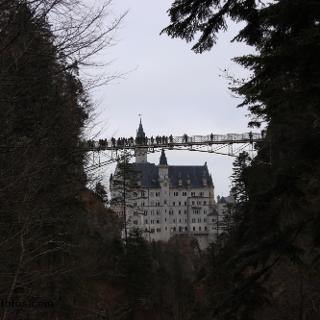 Schloß Neuschwanstein  mit Marienbrücke