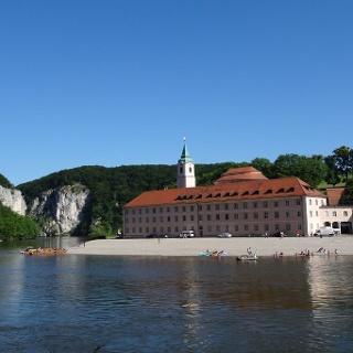 Kloster Weltenburg mit Donaudurchbruch nähe Kelheim