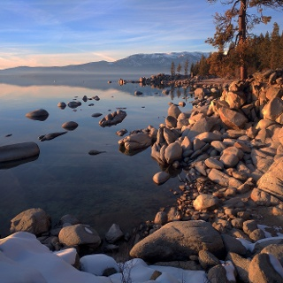 See in der Sierra Nevada