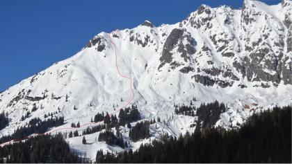 Die Lausköpfe - eine Reihe von Graterhebungen im langen SW-Grat zum Lamkopf (2846 m) - mit dem ungefähren Routenverlauf.