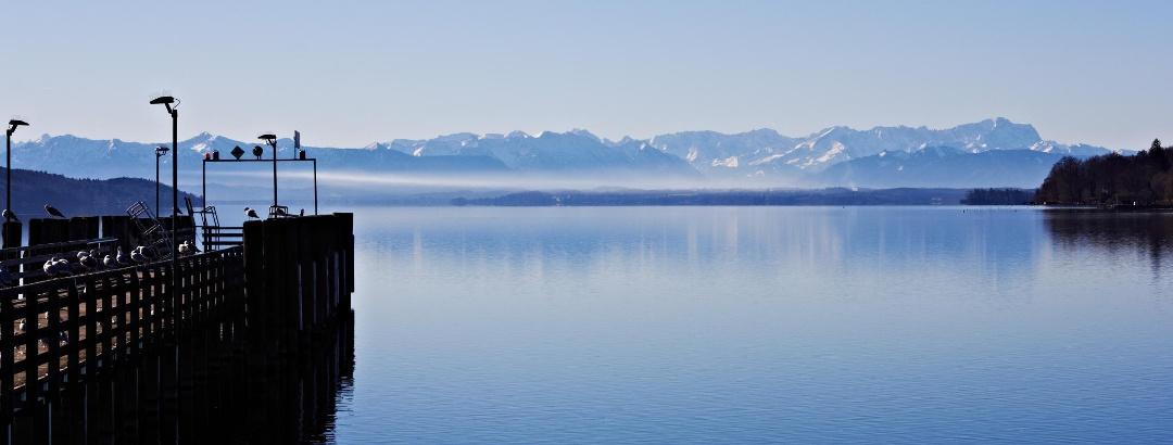 Alpenpanorama am Starnberger See.