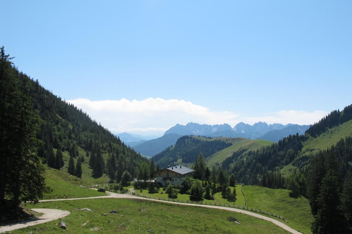 Blick von der Priener Hütte auf das Kaisergebirge