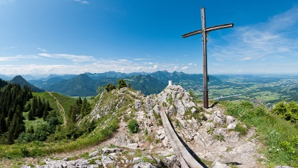 Klettersteig Chiemgau : Blick auf paar an felswand schuasta gangl gamssteig klettersteig
