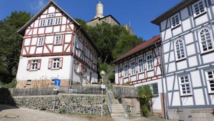 Die Felsburg mit Fachwerkhäusern
