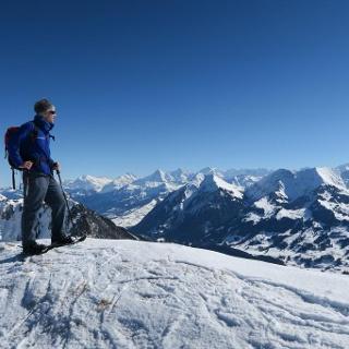 Auf dem Cheibenhorn mit Blick zu Eiger, Mönch und Jungfrau.