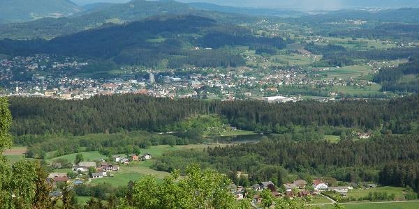 Feldkirchen mit Blick nach Süden, vom Standort Saurachberg aus