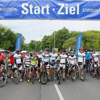 Start der 110-Kilometer-tour beim LVZ-Fahrradfest