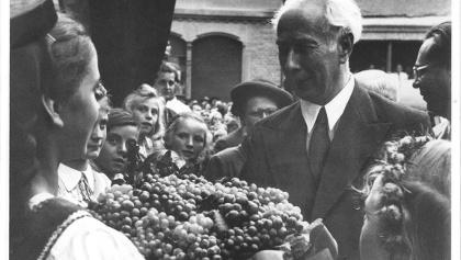 Theodor Heuss in seiner Geburtsstadt Brackenheim 1949