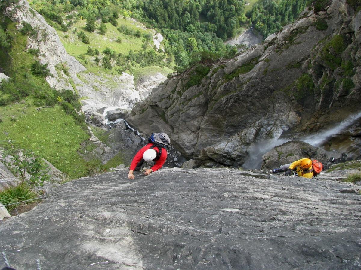 Klettersteig Wimmis : Klettersteig in der mauvoisin schlucht