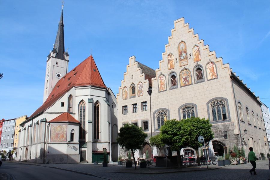 Jakobsweg Etappe 14 - Von der Jakobskirche zu Albertaich zur Jakobsstadt Wasserburg
