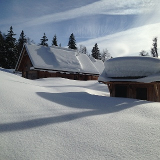 Tief verschneites Tote Gebirge