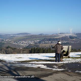 Riedener Windpark in der Ferne