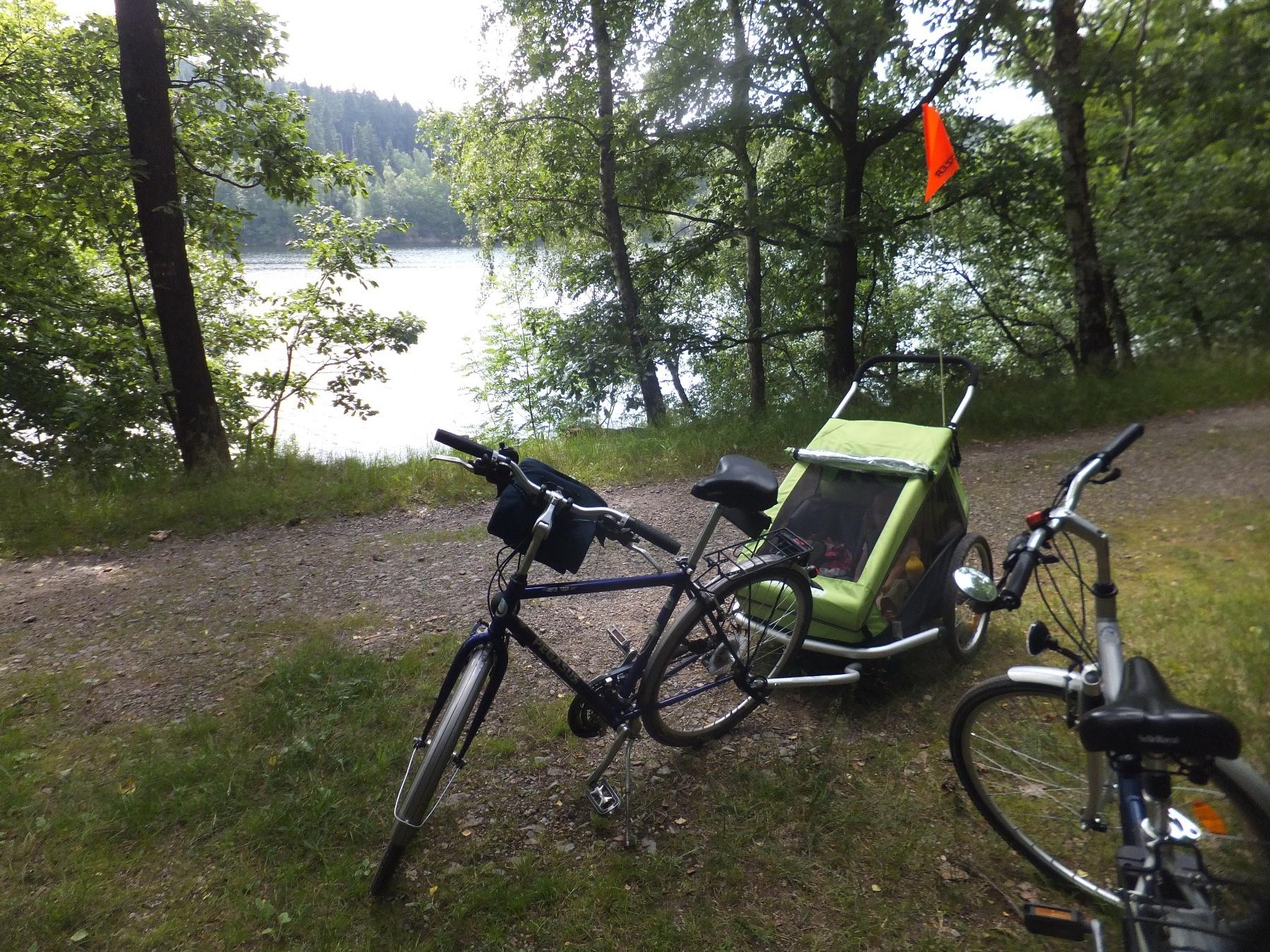 Radtour entlang der Talsperre Klingenberg