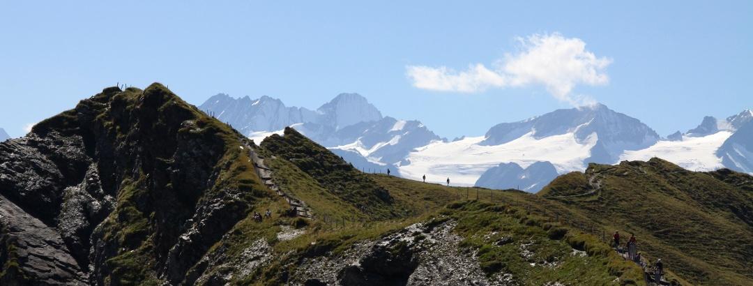 Das Balmeregghorn ist ein spektakulärer Aussichtspunkt.