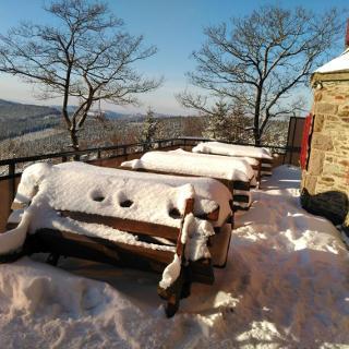 Terrasse Alpenhaus im Winter