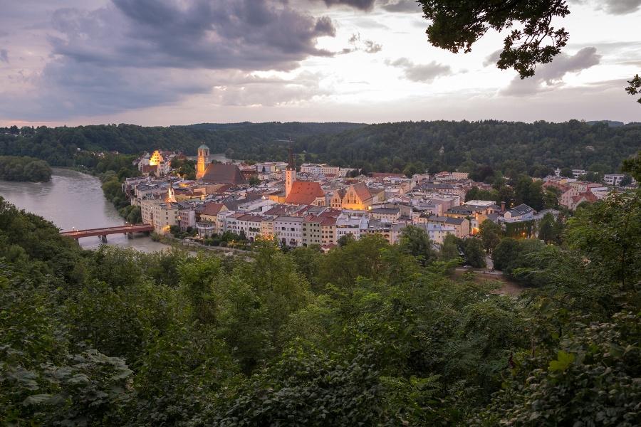 """Zur """"Schönen Aussicht"""" über den Kellerbergweg, Wasserburg"""