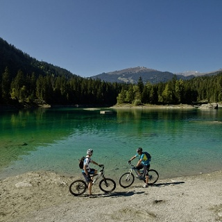 Biken am Caumasee
