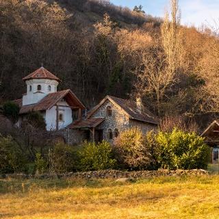 Az Örömhírvétel-kápolna a Szent György-hegy oldalában